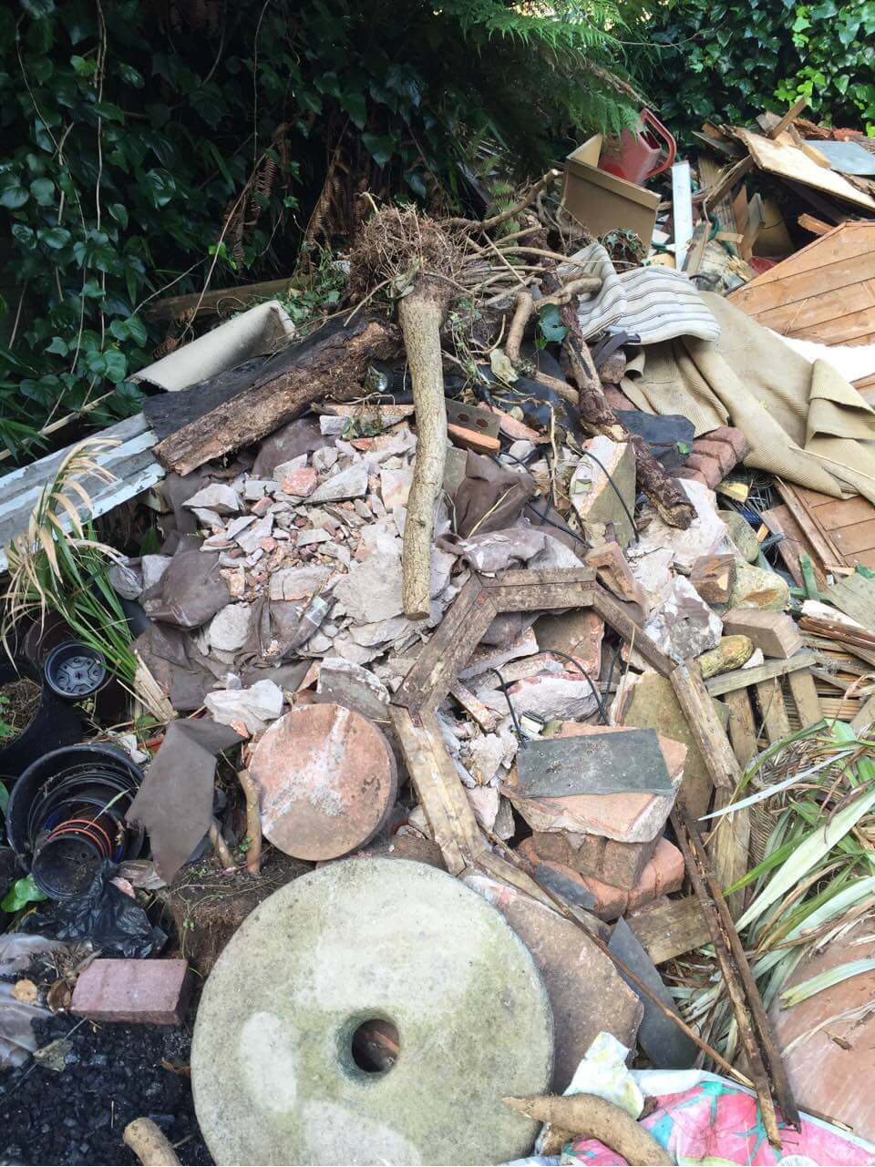 Tolworth House Rubbish Recycling KT5